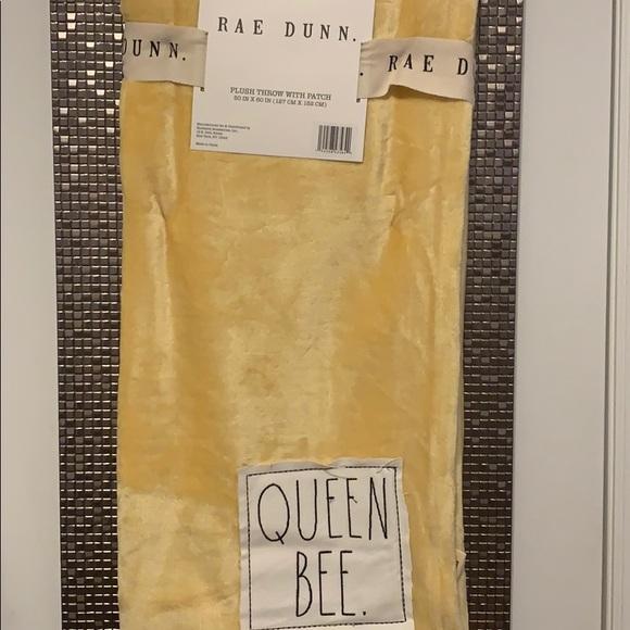 Rae Dunn Queen Bee Blanket